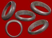 1 ใน 56 วง แหวนปลอกมีดรุ่นแรกเนื้อเงินปี2523(สภาพ 100% ขนาด 50) หลวงปู่ดู่วัดสะแก